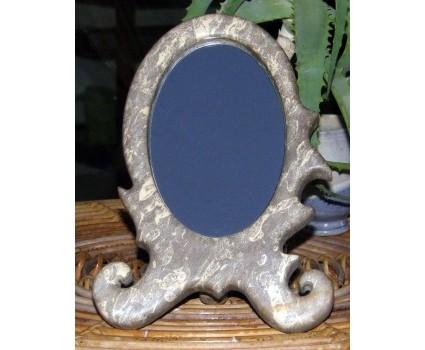specchio in pietra macchiata di Lettomanoppello