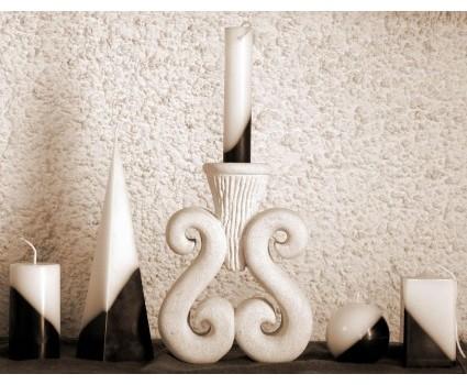 portacandela in pietra bianca della Maiella,composizione