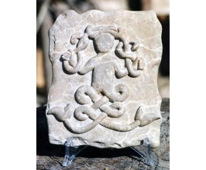 divinità celtica,pietra scura della Maiella
